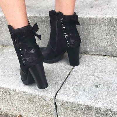 Jaimy Time for champagne ankle boots