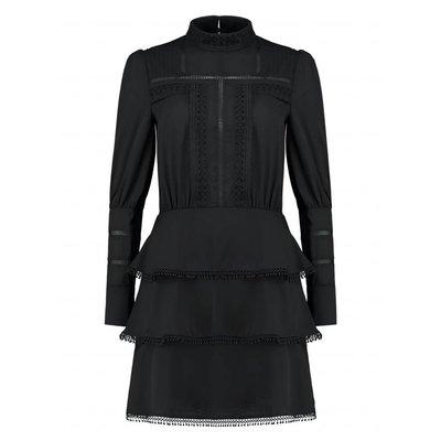 NIKKIE Sara layer dress