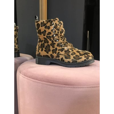Jaimy Dr musthave leopard booties