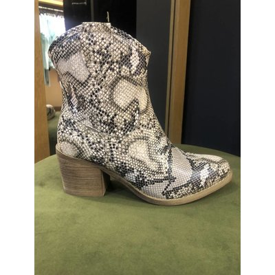 Jaimy Festival boots python