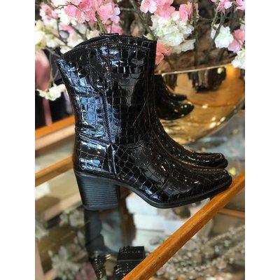 Jaimy Lion croco boots