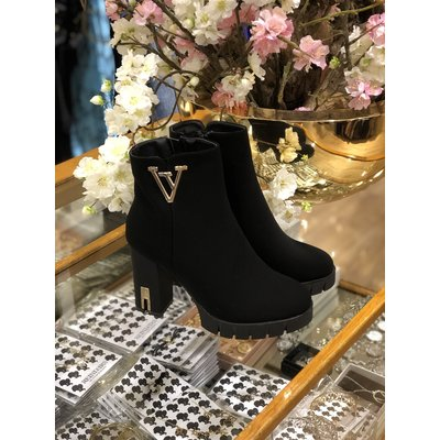 JAIMY LIMITED Queen ankle boots