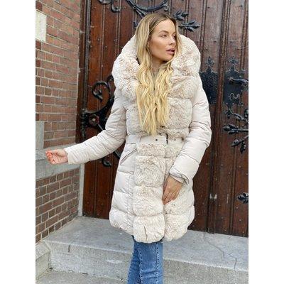 JAIMY The love furry sleeve jacket creme