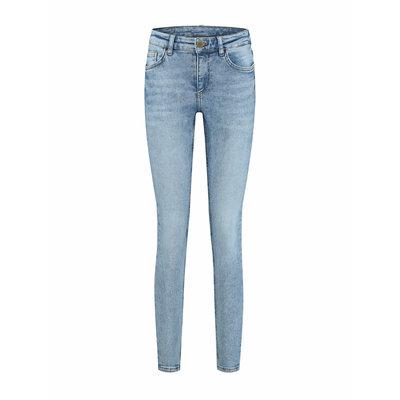 NIKKIE Betty roadtrip jeans blue
