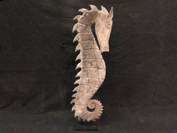 Houten zeepaard - wit - op standaard - groot