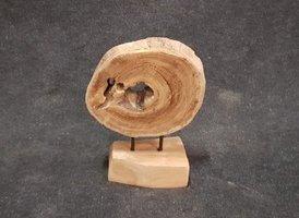Hout sculptuur op standaard - middel - 25/35cm
