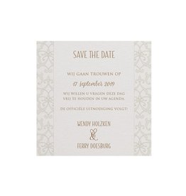 Belarto Bohemian Wedding Save the date bij trouwkaart met parelmoer band en veertje