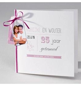 Buromac La Vie en Rose Vierkante blanco jubileumkaart met bordeaux lint en tags
