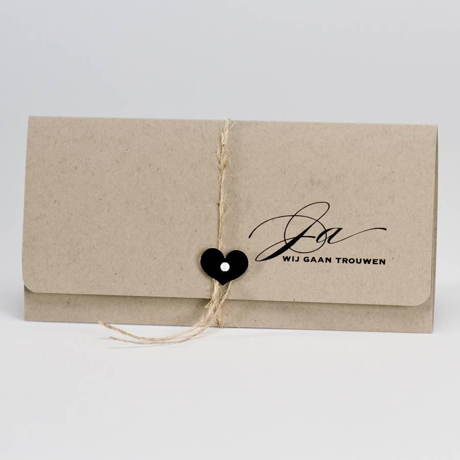 Buromac La Vie en Rose Eco bruine trouwkaart - pochette met zwart hartje (106113)