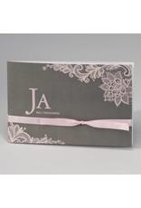 Buromac-Papillons Grijze trouwkaart met roze kantmotief JA WIJ TROUWEN (108166)