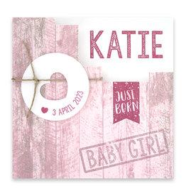 Familycards Klein Geluk Geboortekaartje - roze met steigerhout en hartje