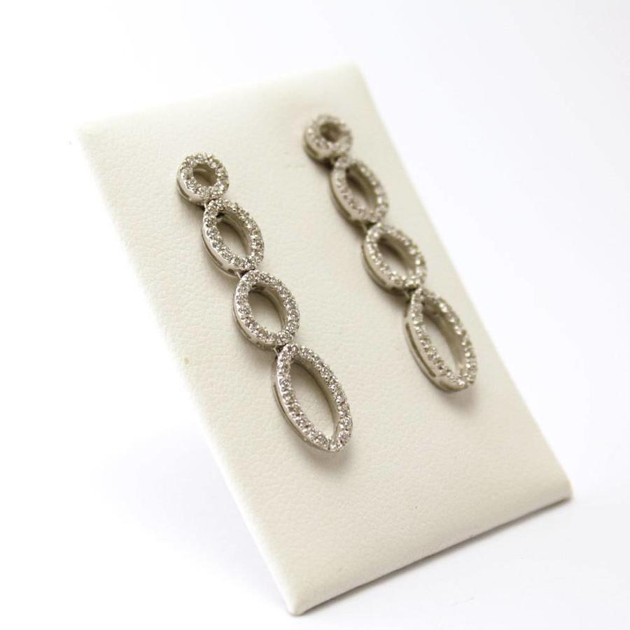 18 krt. wit gouden oorbellen met briljanten
