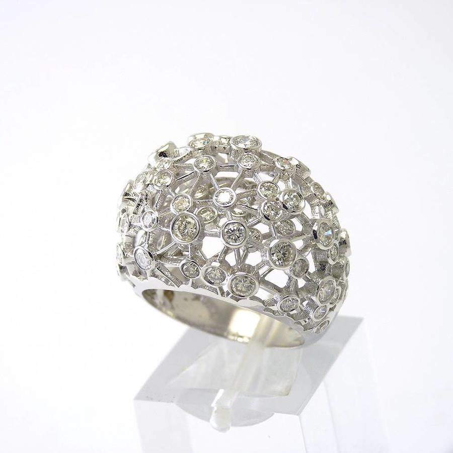 18 krt. wit gouden ring met briljanten