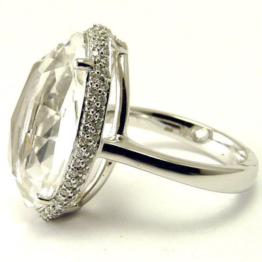 18 krt. wit gouden marquise ring