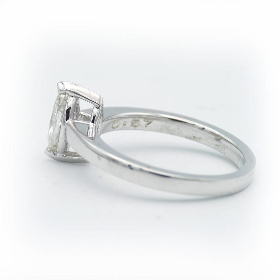 18 krt. wit gouden ring met marquise geslepen diamant