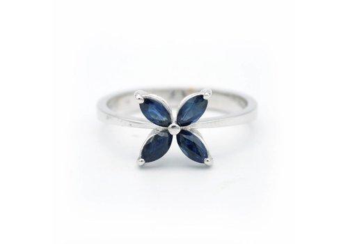 18 krt. wit gouden ring met blauwe saffier
