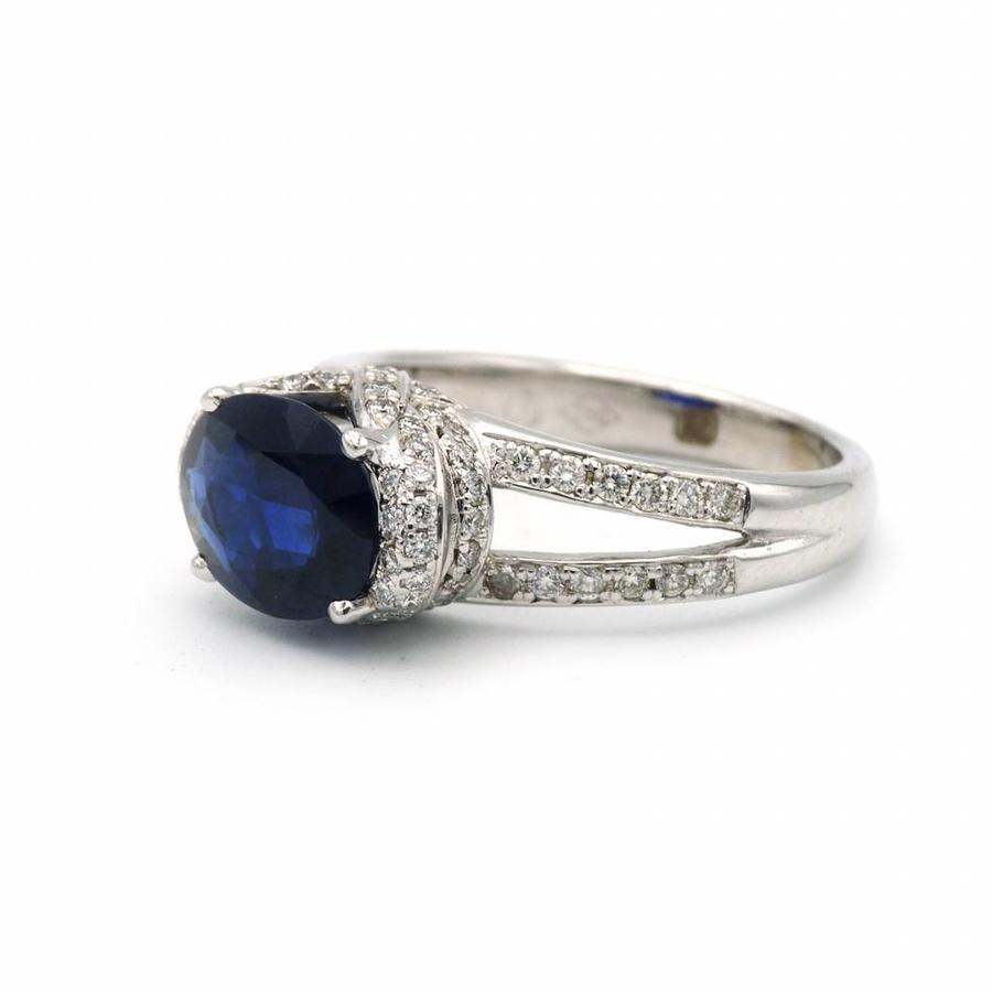 18 krt. wit gouden ring met saffier en briljant