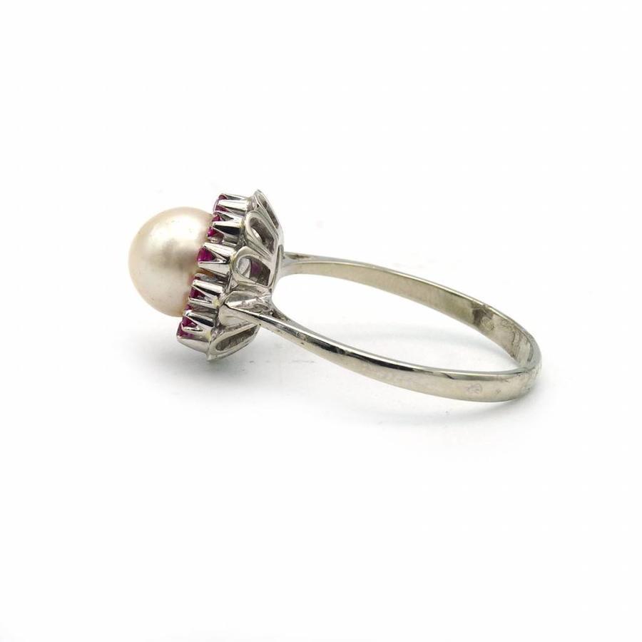 Occ. 14krt. gouden ring met parel en synth. robijn