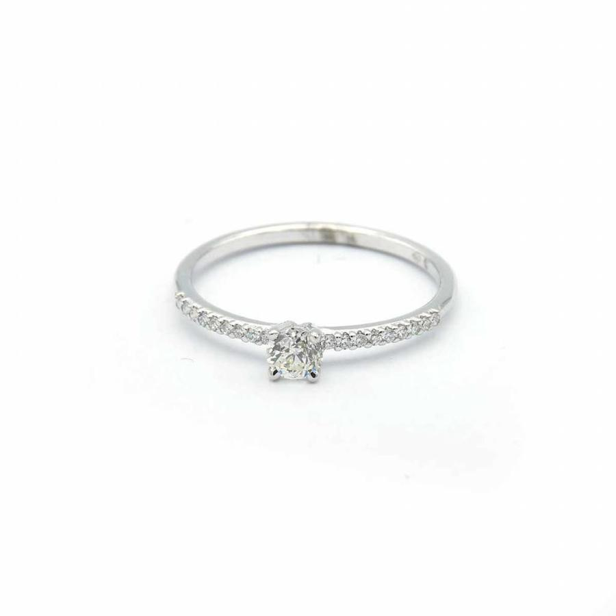 18 krt. wit gouden ring met briljant