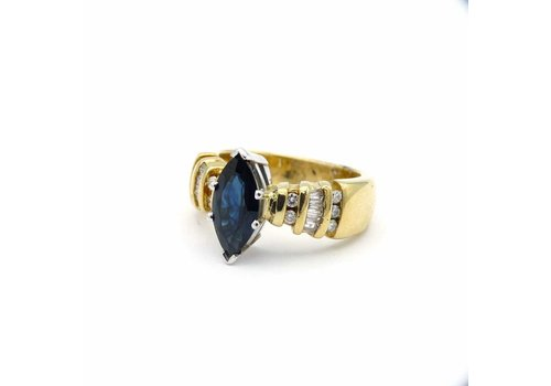 Occasion 14 krt. gouden ring met briljant en saffier