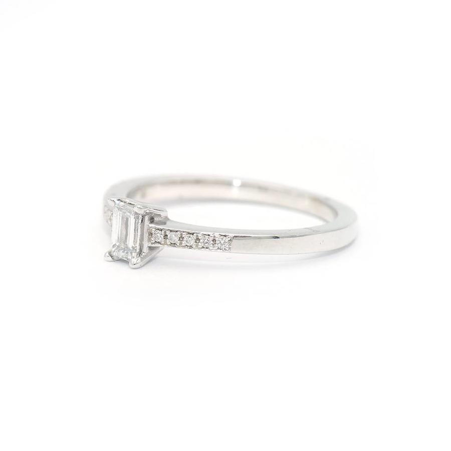 18 krt. wit gouden ring met diamant en briljant