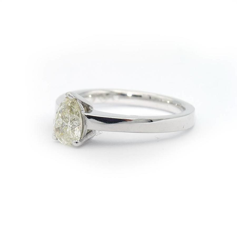 18 krt. wit gouden ring met diamant