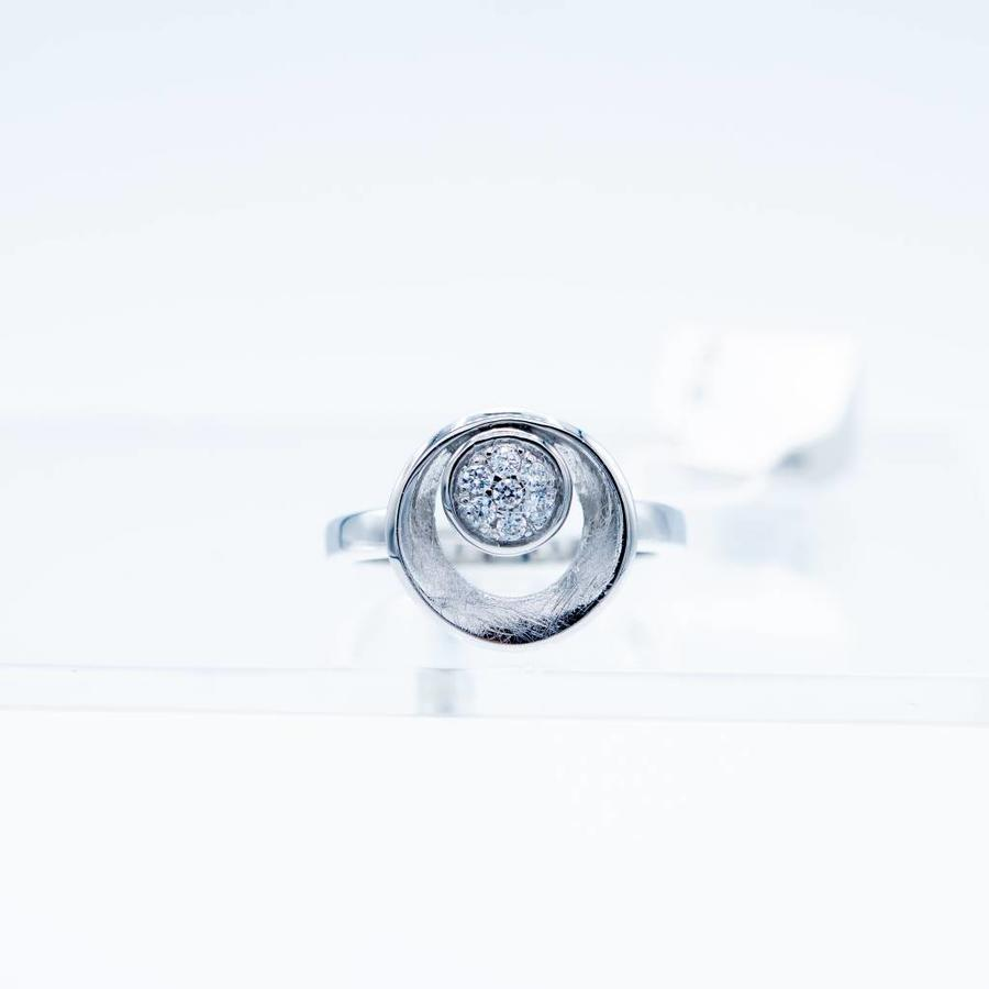 Zilveren ring met Zirkonia 3.8g maat 18