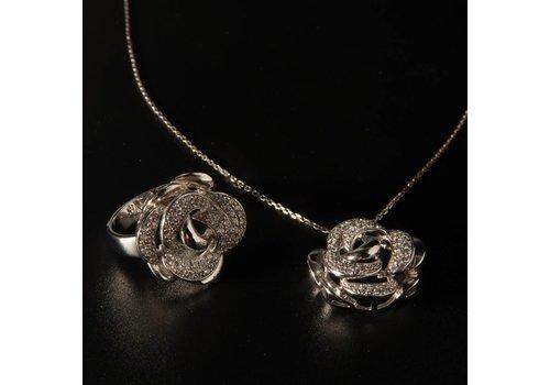 Zilveren set van collier met hanger en ring met Zirkonia