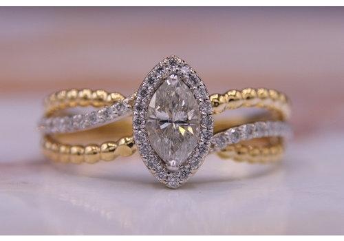 18k ring  met 1 marquis geslepen Diamant en Briljanten