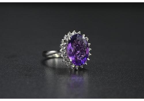 18k witgouden ring met nat. amethist