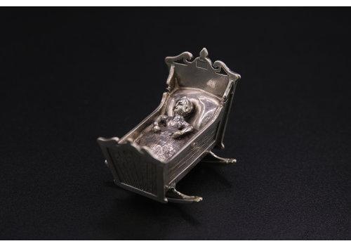 Occasion zilver miniatuur wiegje 27 gr BH.RR