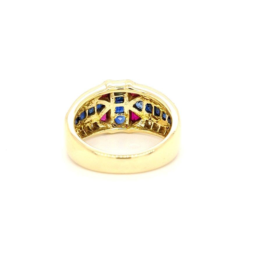Occasion 18 karaat geel goud ring met briljant, robijn, saffier 8.3 gram