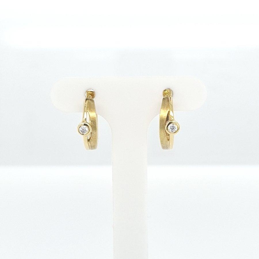 Occasion 14 karaat geel gouden oorklep 0.30 krt briljant 5.6 gram
