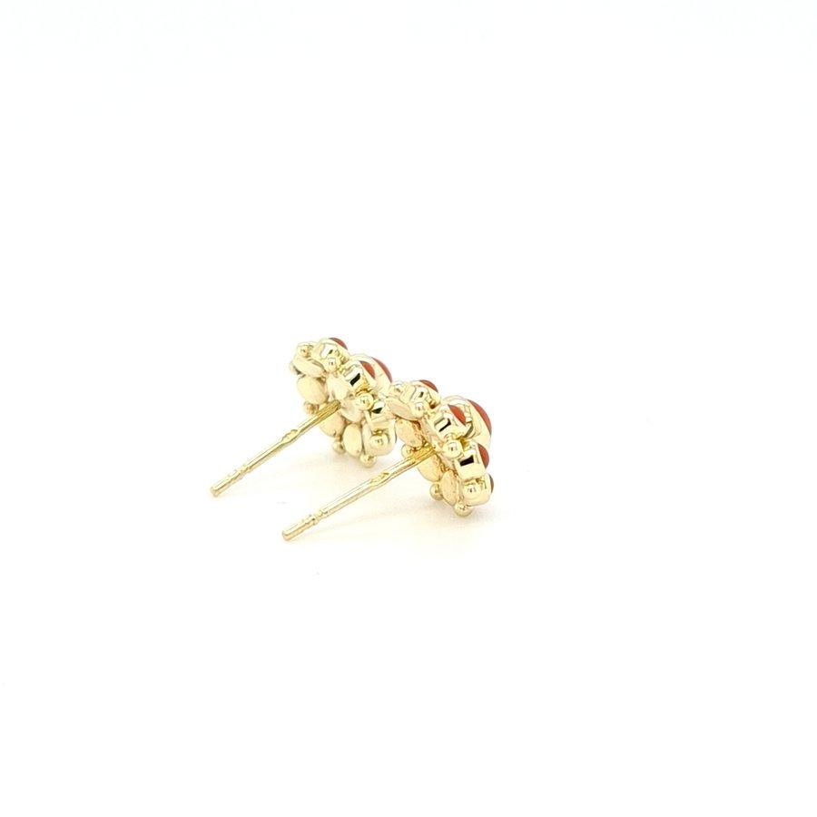 Occasion 14 karaat geel gouden oorknop bloedkoraal 1.6 gram