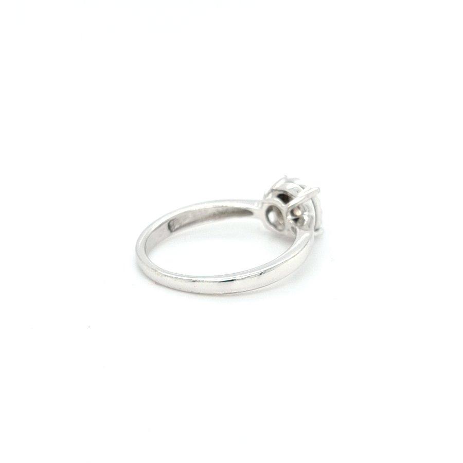 Occasion 14 karaat wit gouden ring 0.14 krt briljanten 2.9 gram maat 18