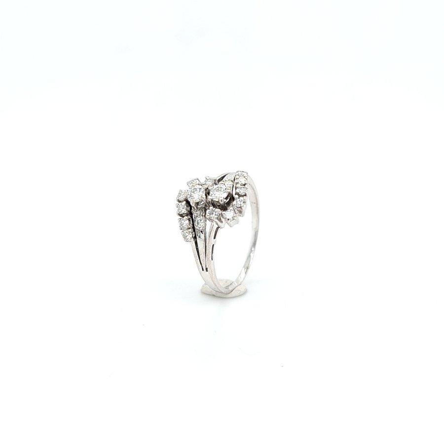 Occasion 14 karaat wit gouden ring 0.45 krt briljanten 1.9 gram maat 18