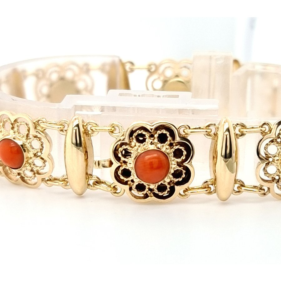 Occasion 14 karaat geel gouden bloedkoraal armband 18.5 gram
