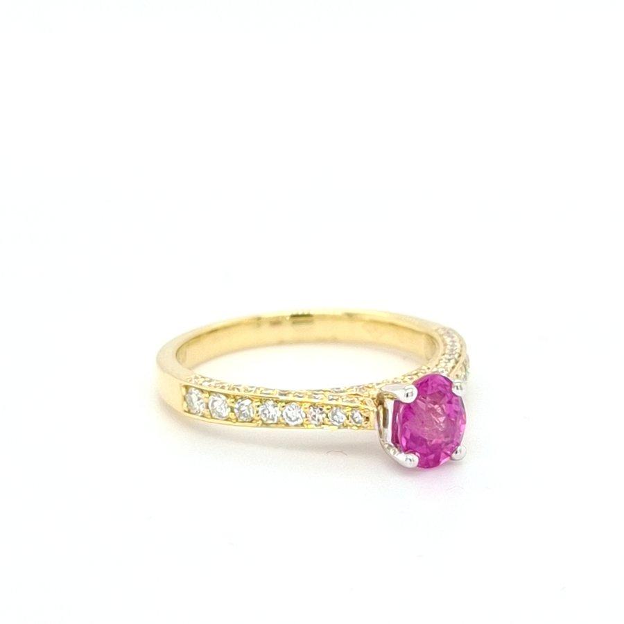 18 karaat geel gouden ring met roze saffier en briljanten