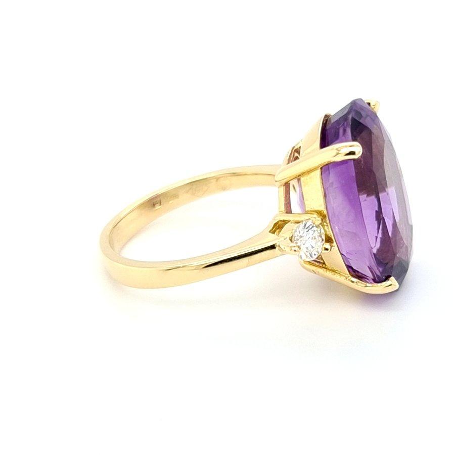 18k geel goud ring met natuurlijke amethist.