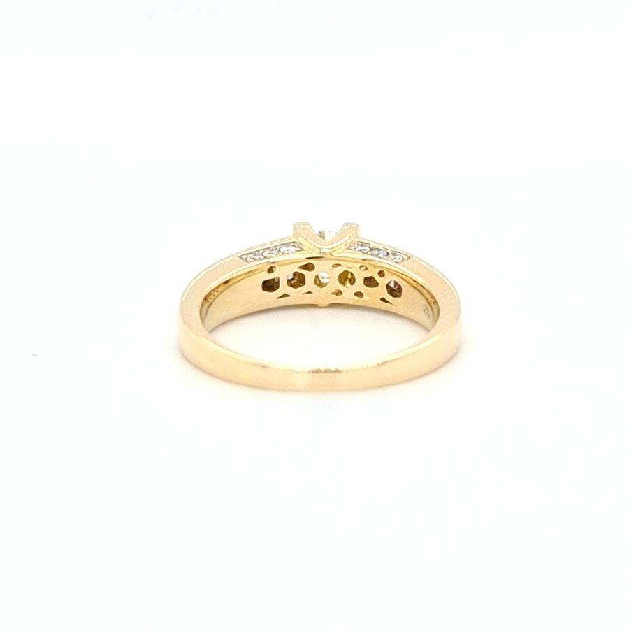 18 Karaat geel gouden ring 0.83 krt briljanten 5.5 gram
