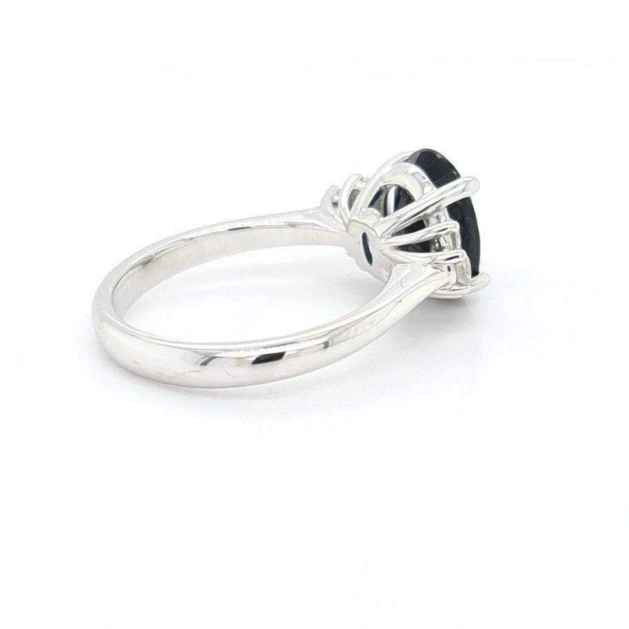 18 Karaat wit gouden ring briljant 0.36 krt/ saffier