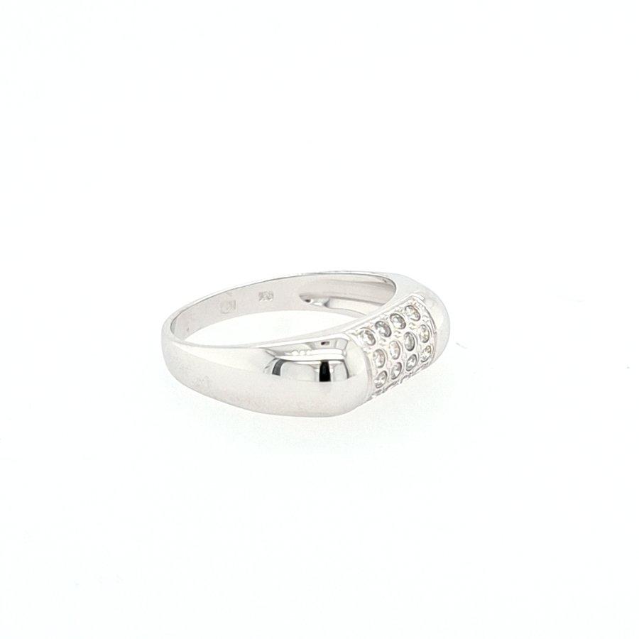 Occasion 18 karaat wit gouden ring 0.20 krt briljanten 3.74 gram maat 17