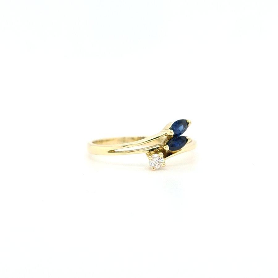 18 Karaat geel gpouden ring met 0.3 briljant/ saffier 1.8 gram maat 17