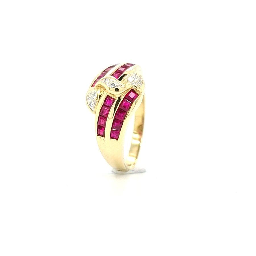 Occasion 18 karaat geel gouden ring briljant/ robijn
