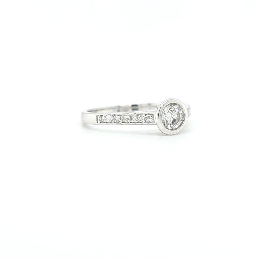14 krt. wit gouden dames ring met briljanten