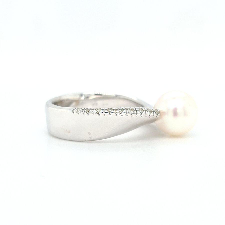 18 Karaat wit goud ring parel/ briljant NHD.