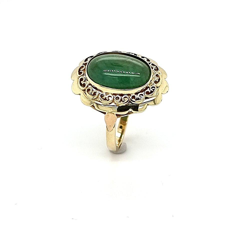 Occasion 14 krt. geelgouden ring met smaragd