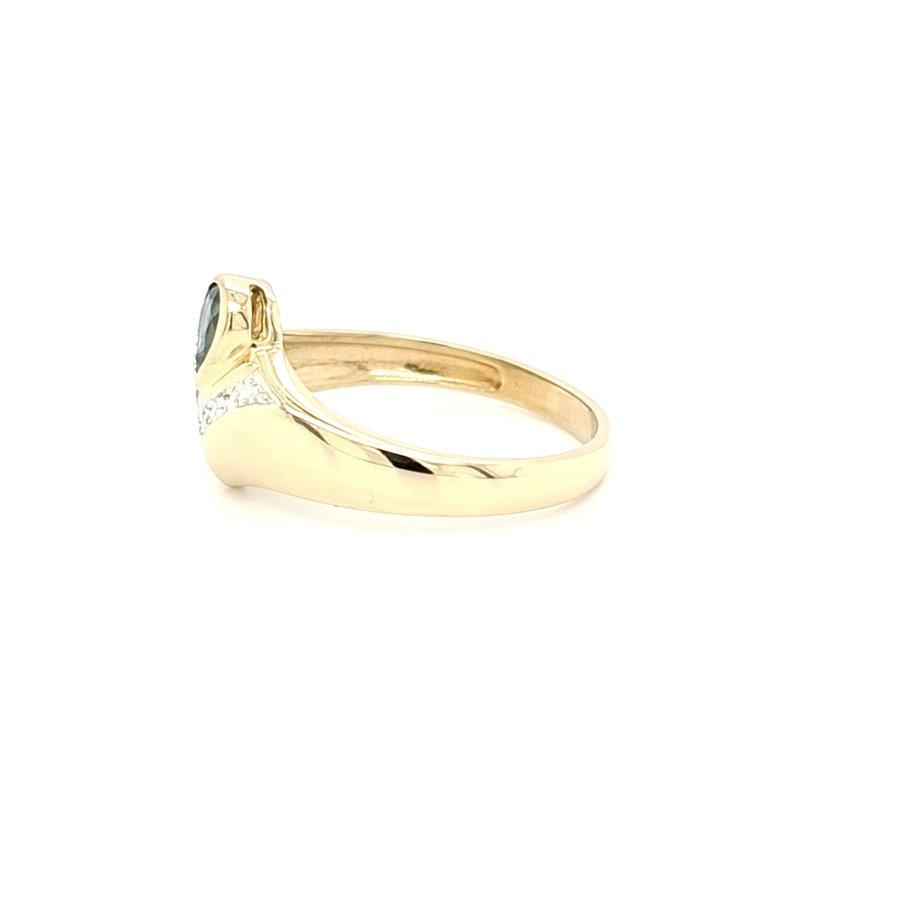 Occasion 18 krt. geelgouden ring met briljant en saffier