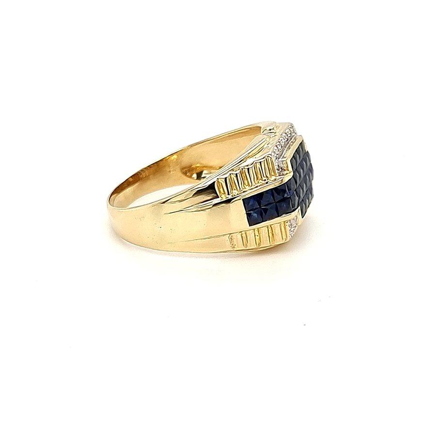 Occasion 18 krt. geelgouden ring met saffier en briljant