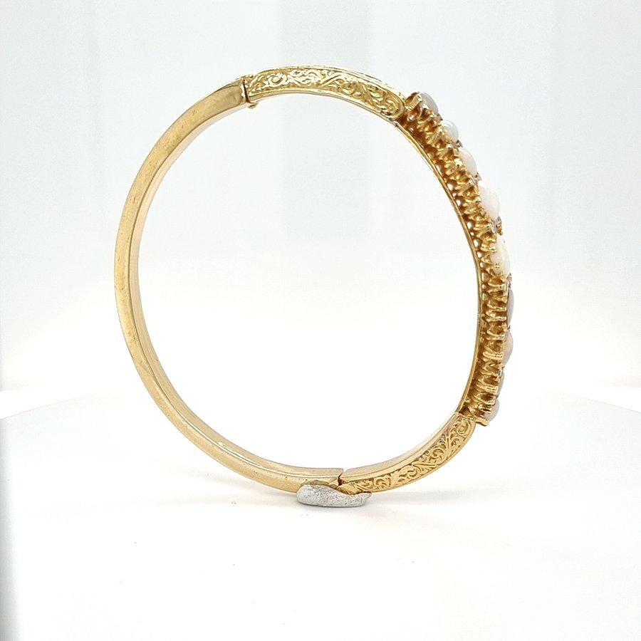 Occasion geelgouden armband Victoriaanse stijl met opalen en diamanten
